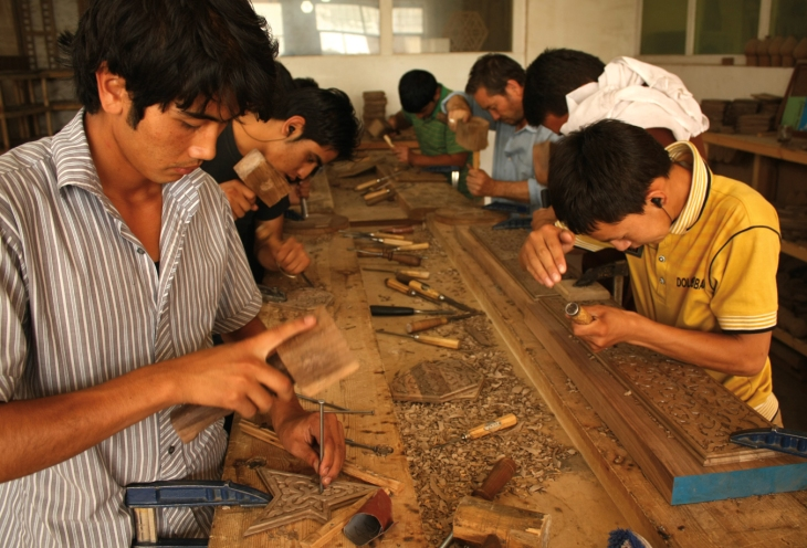 Austad_Nasir_worshop_Woodworkers_working_in_Doha_Project_lg