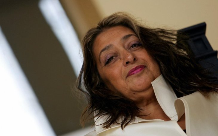iraqi-architect-zaha-hadid-poses-outside-55555241-56fd3fa187683.jpg