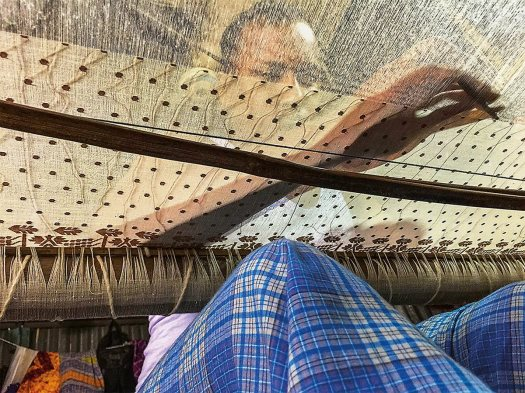 N-sp4-MAIN-and-ENDER-Weaver-Nurul-Amin-in-loom-7718-1200-pixHR-copy.jpg