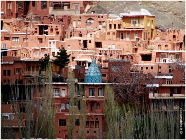 jameh-mosque-of-abyaneh-hillside-620x466