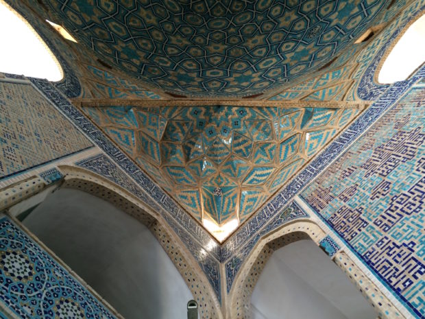 jameh-mosque-yazd-walls-and-dome-brick-620x465