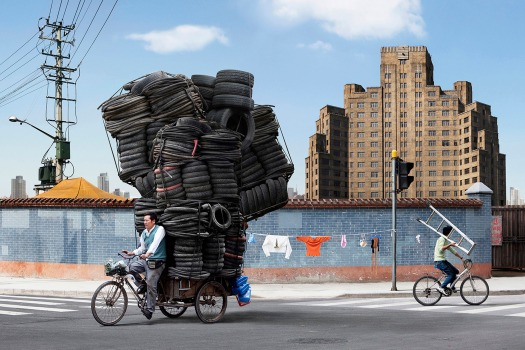 totems-alain-delorme-photography-streets-china_dezeen_2364_col_3
