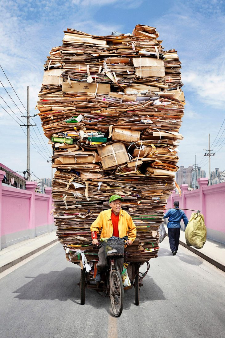 totems-alain-delorme-photography-streets-china_dezeen_2364_col_4-1704x2553