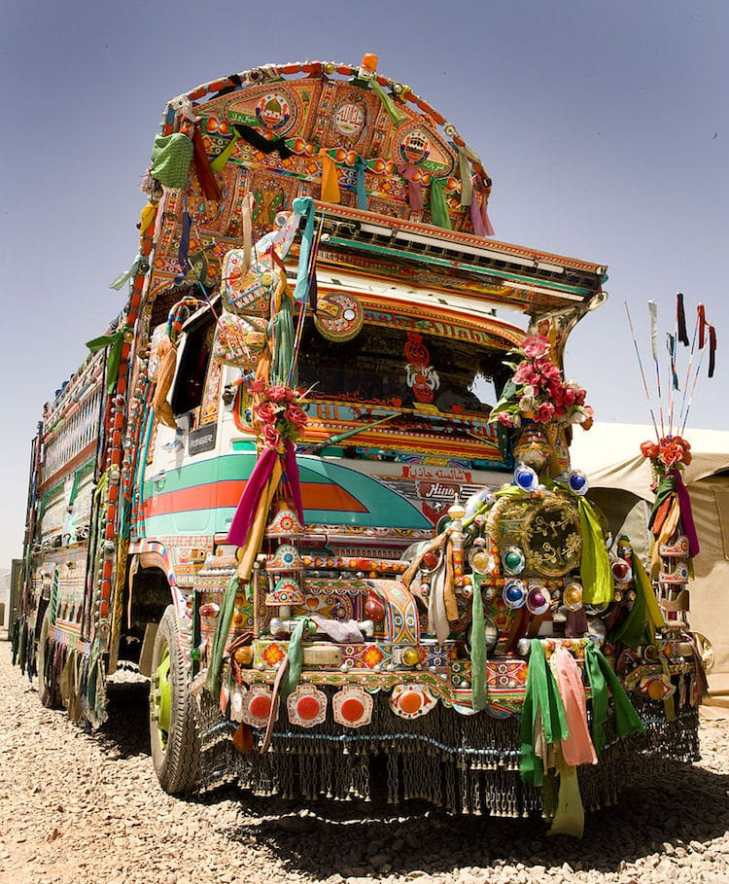 jingle-truck-art-pakistan-1